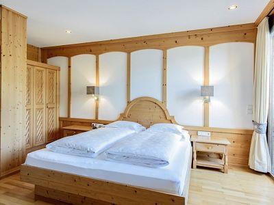 Terrassenzimmer_Edelweiss_Schlafbereich_Alpenrose_Schruns